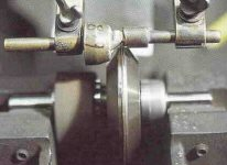 How to cleave a stone during diamond cutting