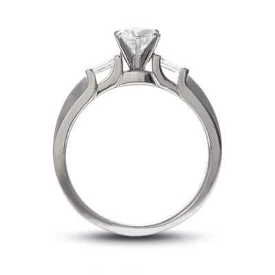 Round shaped 1 carat diamond ring