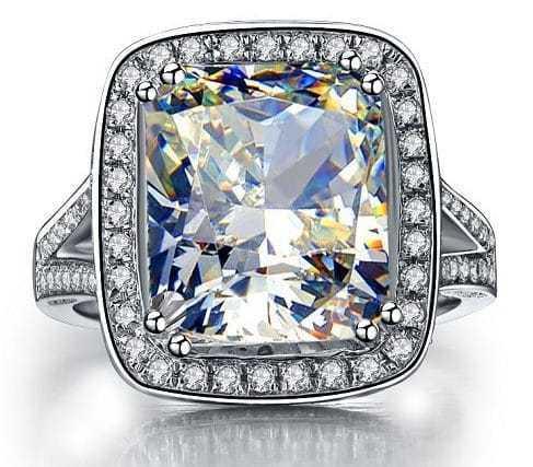 Cushion Cut Diamond Engagement Rings