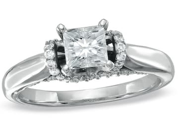 Made with one of the most expensive metals, platinum diamond engagement rings