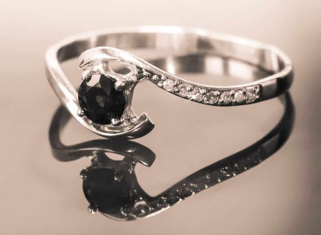Save cash on used diamond rings