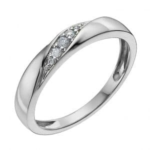 Get the best price with clearance diamond rings